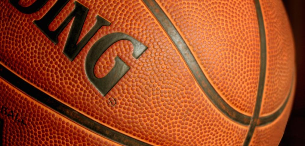 Kids' Air Max Charge Basketball Shoe PreGrade School